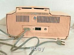 Vtg General Electric Pink Radio C-416c Avecalarm Clock Fonctionne, Pas De Fissures